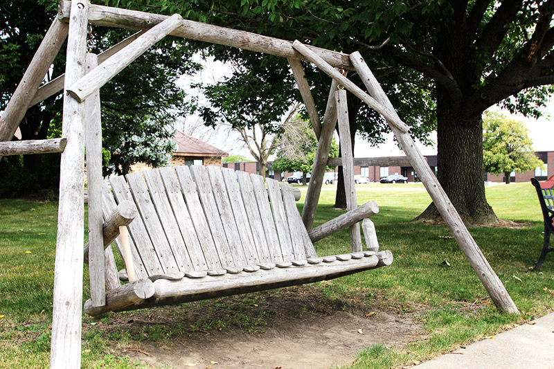 Outdoor Swing - Lincolnshire Healthcare and Rehabilitation